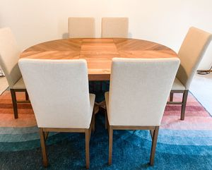 Oliver round extension dining table for Sale in Redwood City, CA