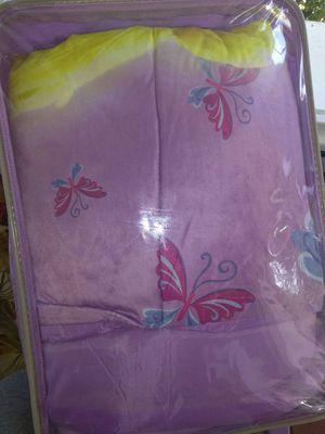 Kids Disney sleeping bag in suitcasw for Sale in Tampa, FL