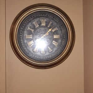 Wall Clock for Sale in Cheshire, CT