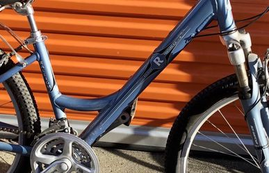 Raleigh Hybrid Comfort Bike 16 Inch Frame Size Step Through for Sale in Fremont,  CA