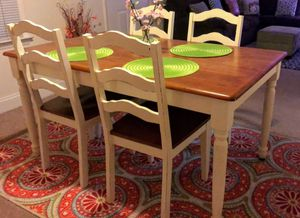~Farmhouse Dining Room Table & Chairs~ for Sale in High Point, NC