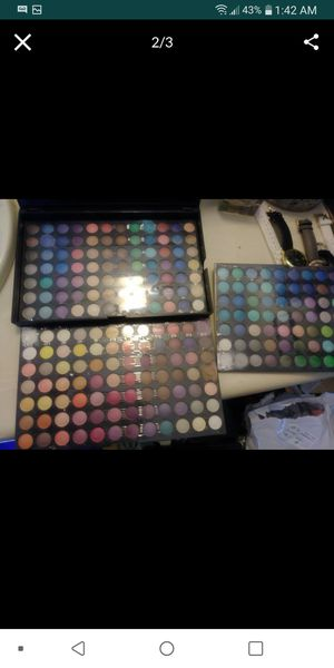 Makeup eyeshadow for Sale in Moreno Valley, CA