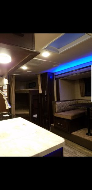 Grey Wolf travel trailer for sale 23DBH sleeps 8 for Sale in Fort Worth, TX