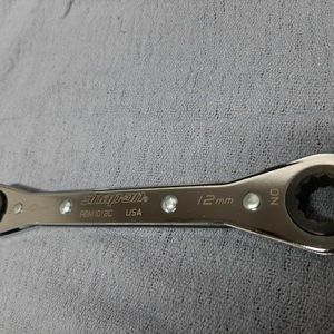 Snap On Ratcheting Box Wrench 10mm/12mm for Sale in Bellevue, WA