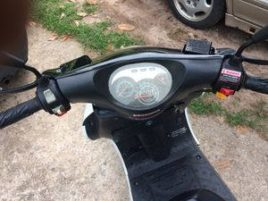 2019 racing Challenger scooter 50cc for Sale in Jonesboro, GA