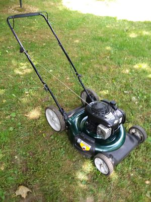 Lawn mower PUSH like new Oil changed for Sale in Torrington, CT