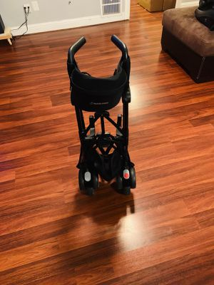 Maxi- Cosi stroller base & car seat for Sale in Pasadena, TX