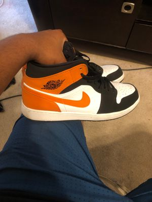 Jordan 1 shattered backboard mids for Sale in Riverview, FL