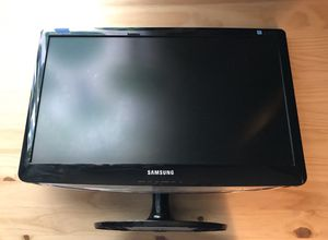 Samsung Monitor B2330H LCD for Sale in Columbia, MO