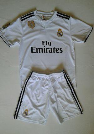 18 Young Adult Soccer Kits * Uniformes de Futbol Real Madrid local for Sale in Santa Ana, CA