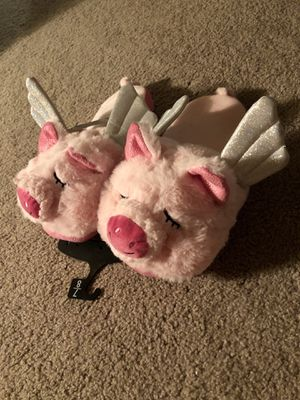 Women slippers size 7-8 NEW for Sale in Lawrenceville, GA