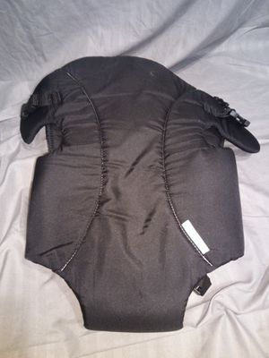 Evenflo baby carrier for Sale in Lawrenceville, GA