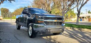 2017 Chevy Silverado LT ( salvage title ) for Sale in Los Angeles, CA