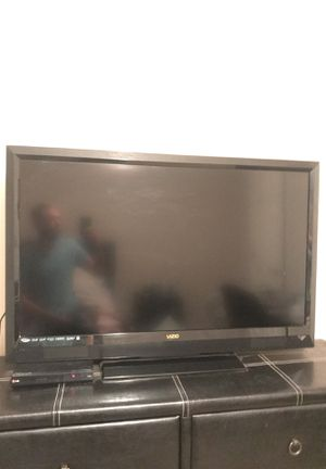 Vizio 1080p full hd 40 inch tv for Sale in Ralph, AL