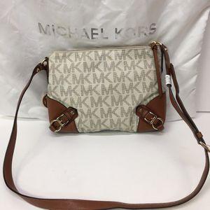 Michael Kors Fallon Messenger Bag for Sale in Fort Lauderdale, FL