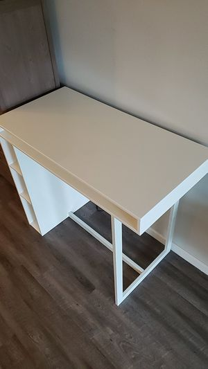 White CB2 tall identically two sided desk or two people high dinning table $450 for Sale in Delray Beach, FL