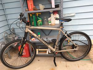 Cannondale F1000SL Mountain Bike GREAT CONDITION for Sale in Woodburn, OR