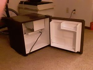 GE Mini Fridge for Sale in New England, ND