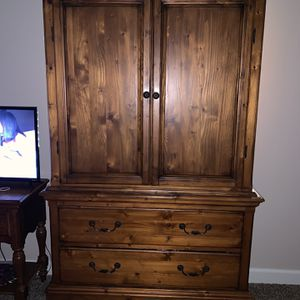 1 Night Stand And TV/Dresser Armoire for Sale in Kingsburg, CA