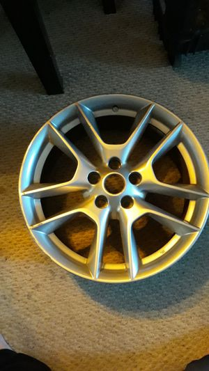 Used 2010 nissian maxima rim for Sale in Fort Myers, FL