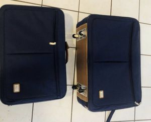 """Luggage carry on and 24"""" for Sale in Moreno Valley, CA"""