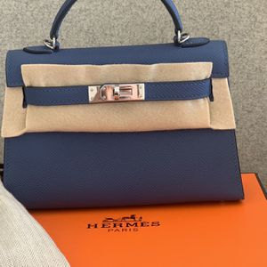 Hermes Mini Kelly for Sale in Los Angeles, CA