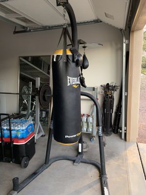 Punching bag with stand for Sale in Goodyear, AZ