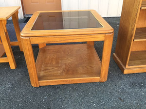 Nice Square Coffee Table / End Table - Delivery Available for Sale in Tacoma, WA