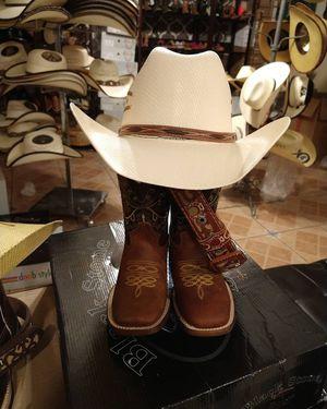 Set botas, cinto y sombrero for Sale in Las Vegas, NV