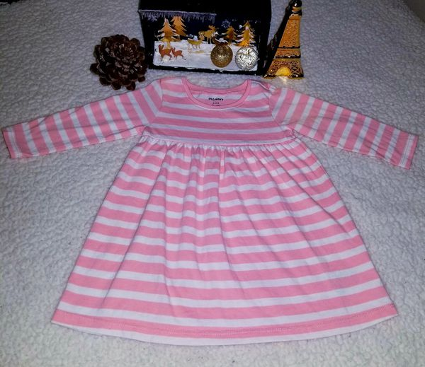 💕👗💕 OLD NAVY in good condition size 6-12 months 💕👗💕