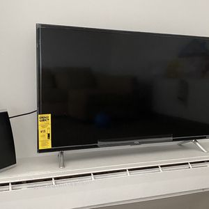 """TCL 40"""" Class 3-Series Full HD Roku TV , Incl. Antenna for Sale in Boston, MA"""