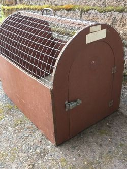 Pet Carrier Vintage Wooden Animal Crate Cat Or Small Dog, Chicken, Etc for Sale in Tacoma,  WA