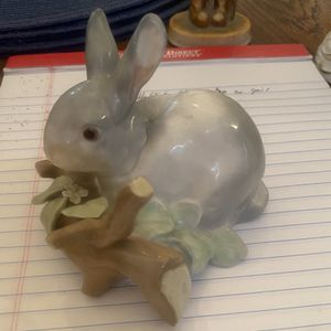 "Lladro Figurine, # 4774, ""Rabbit Eating"" for Sale in Highland Park, IL"
