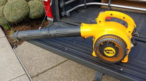 Poulan Pro leaf blower 200 mph 25cc for Sale in Beaverton, OR