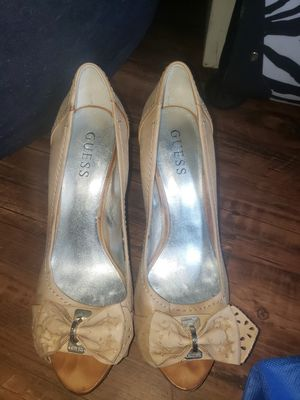 GUESS heels SIZE 8 for Sale in Baton Rouge, LA