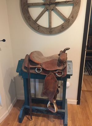 15 inch saddle for Sale in Roy, WA