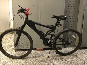 Mountain bike .good condition I prefer to trade or sell it .best offer will getter. for Sale in Coral Gables, FL