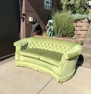 Pick up today L🐸🐸K RARE LIKE NEW Vintage loveseat sofa !!! FREE LOCAL DELIVERY 🚚 for Sale in Pittsburgh, PA