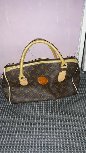 Louis Vuitton bag for Sale in Waukegan, IL
