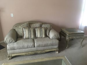 Complete living room set for Sale in Atlanta, GA