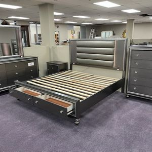 Brand NEW- Queen Or King bedroom Set (READ BELOW) for Sale in Dunwoody, GA