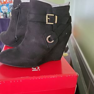 Ankle boots for Sale in Lexington, SC
