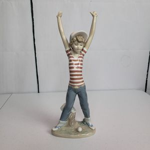 Lladro Baseball Fan Porcelain Figurine for Sale in Elk Grove Village, IL