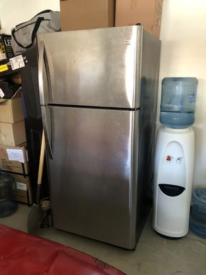 Kenmore fridge and freezer stainless steel for Sale in Pomona, CA