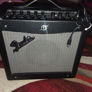amplificador para tocar guitarra for Sale in Arlington, VA