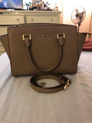 MK hand bag with shoulder strap for Sale in Silver Spring, MD