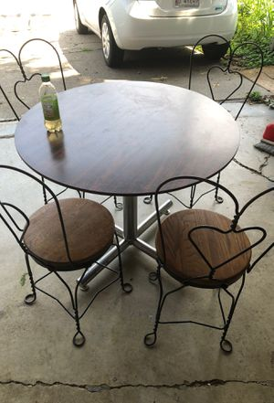 5 piece dining set for Sale in Caseyville, IL