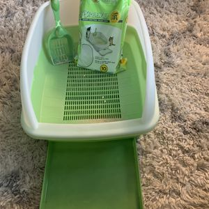 Cat Litter Box for Sale in Tualatin, OR