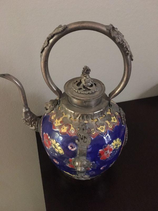 Vintage hand painted ceramic lion protection tea pot.