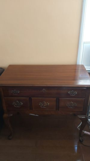 Antique desk for Sale in San Leandro, CA